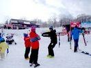 【新潟県・妙高市】池の平温泉スキー場でぐんぐん上達するスノボードレッスン(半日・一日)の様子