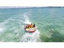 【沖縄・古宇利島】スリル満点!海上滑走‼ トーイングチューブの様子