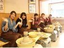 【京都・八坂・陶芸】約30分でお手軽にできる!電動ろくろでマイカップを作ろう!の様子