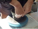 【神奈川・葉山】緑に囲まれた工房でゆったり陶芸体験!「手びねり」1日陶芸コースの様子