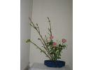 【滋賀・草津】日本の伝統文化に触れてみよう!「未生流生け花」を体験の様子