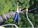 【静岡・富士市】高さ54mからのバンジージャンプ!須津渓谷橋「富士バンジー」の様子