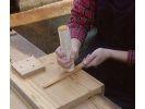 【鹿児島・屋久島】樹齢数千年・屋久杉の自然美を生かしたオリジナル箸作りに挑戦の様子