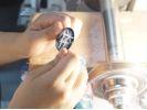 【鹿児島県・霧島】薩摩切子の新ジャンル「ecoKIRI」に挑戦しよう! 薩摩切子カット体験の様子