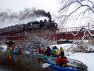 【北海道・弟子屈町】冬のカヌーツアー&スノーシュー(二本松橋~細岡コース)の様子