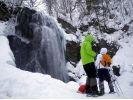 【福島・裏磐梯】迫力満点!厳冬の不動滝スノーシュー体験(ブルーアイスツアー)(午前/午後)の様子