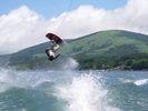 【山梨・山中湖】1ラウンド×2回の充実体験!ウェイクボード体験(満足コース)の様子