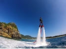 【沖縄・北部エリア/名護/本部/瀬底島】最高のマリンアクティビティ!フライボード体験(30分)の様子