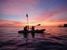 【小笠原】刻一刻と色彩の変わる夕凪の洋上をカヤッキング、サンセットプランの様子