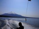 【山梨・山中湖】爽快で楽しい!ウェイクボード初めて体験コース【15分×1セット】の様子