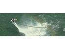 【沖縄・アラハビーチ】今、大注目の新感覚マリンスポーツを体験!ジェットパック(60分)の様子