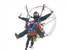 【湘南・茅ヶ崎西浜】湘南のシンボル的な江ノ島への遊覧飛行!パラグライダー体験(タンデムフライト)の様子