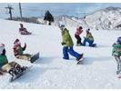 【福岡・京都郡】雪の上を滑る爽快感を楽しもう!スノーボードスクールの様子