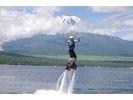 【山中湖】水圧で空を飛ぶ!フライボード体験コース(1セット20分)【午前】の様子