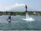【山梨・山中湖】挑戦してみよう!フライボード体験(初心者コース:約20分)の様子