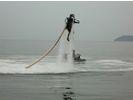 【長崎・長崎】背中に背負ったジェットで飛ぶ!ジェットパック体験40分コースの様子
