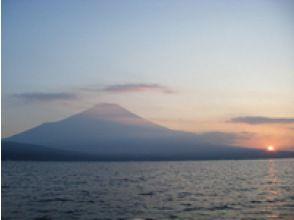 【山中湖】【レンタル:】絶景!富士山!!スタンドアップパドルボートレンタル(1時間)【午前】
