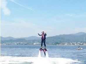 【静岡・浜名湖】<水圧で空を飛ぶ!>フライボード初回体験コース【初めての方歓迎】の画像
