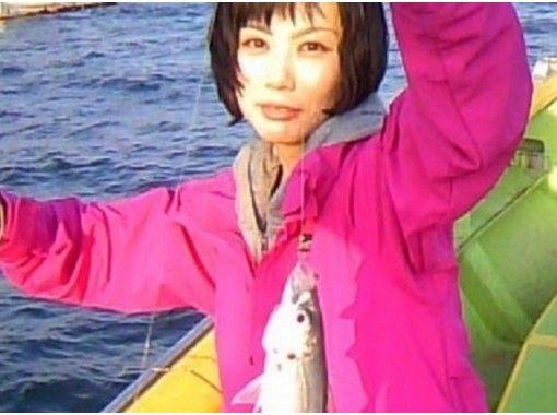 "[Kanagawa/Yokohama] Feel free to go fishing ""Aji"" "" half-day boat fishing course"" Beginners, Female and children are welcome! Empty-handedの紹介画像"