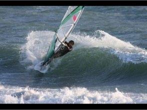 【神奈川県・藤沢市】初心者向け!茅ヶ崎の海でウィンドサーフィン体験