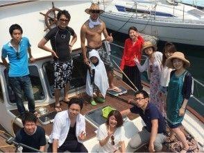 [千葉縣勝浦]巡洋艦包機計劃一點點地豐富。燒烤和流行的海上運動,您可以享受船上的圖像