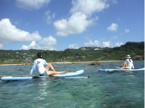 【Okinawa · southern part】 SUP & Yoga experience around Chinen cape! Image of SUP stretch yoga or novice yoga course
