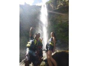 【沖縄・西表島】カヌー&トレッキング!沖縄県一番の落差ピナイサーラの滝壺コース(半日コース)の画像