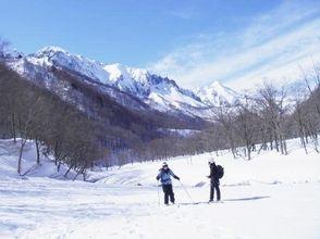 [群馬,水]俯瞰大岩的倉澤一面牆絕景!大自然滑雪遊的圖片之一[日]