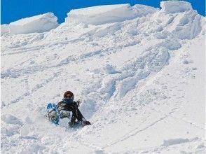 【岐阜・高鷲】落差180mの雪の大斜面をお尻で滑る!?スノースライダー