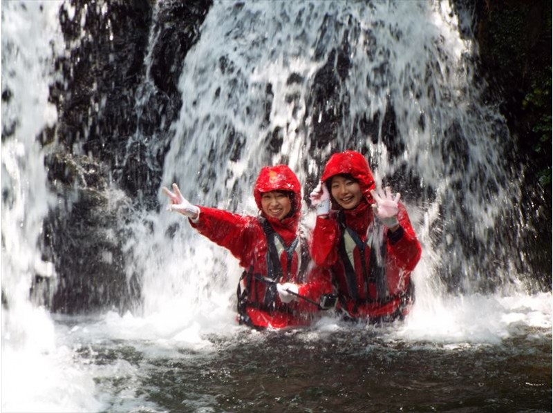 [Okayama ・ Otoyama] To the world of surprise and excitement Yamakori Valley river trekking adventure