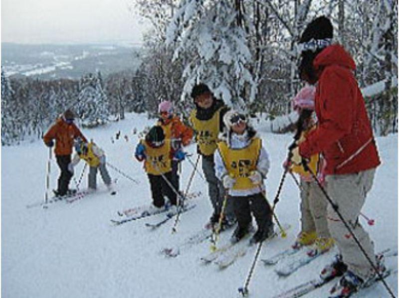 [Hokkaido/ Asahikawa] Special Private Ski Lesson