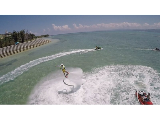 【沖縄・古宇利島】初めての浮遊感!今話題のフライボード