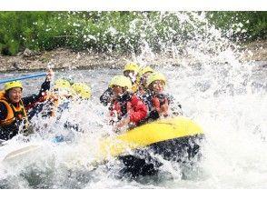 [Hokkaido, Niseko] Outdoor representative of the Niseko! Exhilarating rafting-half-day course!