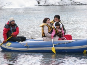 [北海道新雪谷]想欣賞雪景風光在船上!雪景二世古清流下來!形象
