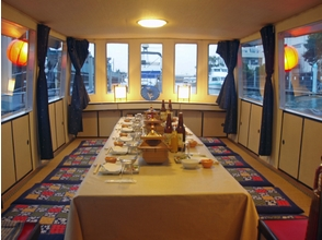 "[Tokyo Odaiba] parlor houseboat Tokyo canal in the ""Marin Kids"" charter cruising ♪ image"