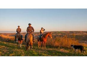 【熊本・阿蘇】360度の大パノラマの乗馬体験!インディアンコース(約20分)の画像