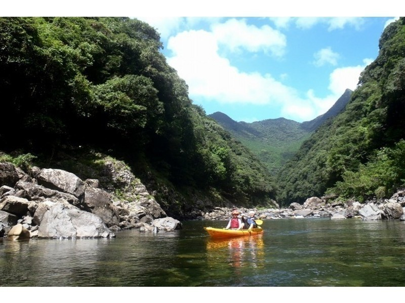 [Kagoshima / Yakushima] Regional common coupon dealer The clear river is attractive! Kayak experience (1 day course)の紹介画像