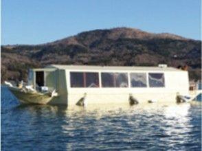 【山梨・山中湖】真冬でも暖かい!こだわりの手作りドーム船わかさぎ釣り1日コース【最大7時間】の画像