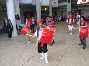 【沖縄・コザ】エイサーの街コザで本場のエイサー体験!本格的衣装と楽器を楽しもう♪