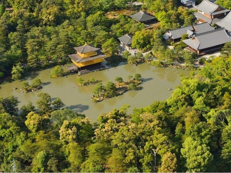 """[京都府,京都]京都从天空精通的金阁""""的景点和寺庙直升机游览飞行经验,""""(20分钟)"""