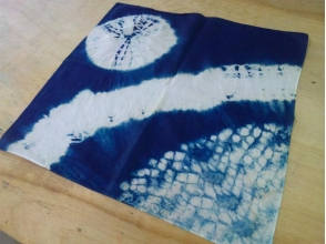 【沖縄・国頭郡・伝統文化体験】自然に癒されながら藍染体験♪手づくり藍染バンダナの画像