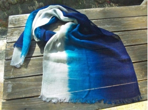 【Okinawa · Kunigami-gun · Traditional Culture Experience】 Indigo dye experience while being healed naturally ♪ Handmade indigo dye stole image