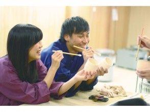 【京都・東山・陶芸】お気軽に楽しめる♪陶器・ガラス絵付け体験!の画像