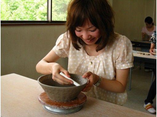 [京都東山]從3歲開始參加!京都著名觀光景點的手搖陶藝體驗の紹介画像