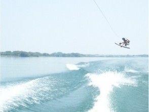 【滋賀・琵琶湖】レジャーパック【バナナボート&ウェイクボード体験】の画像