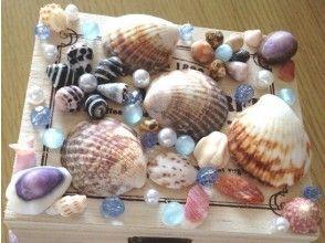 【沖縄・恩納村】貝殻やサンゴを拾って作ろう♪民家でマリンクラフト体験!★お子様大歓迎!★の画像
