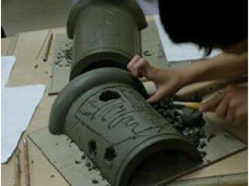 【兵庫・淡路島】彫刻や刻印を自由に楽しもう!瓦粘土 彫刻体験