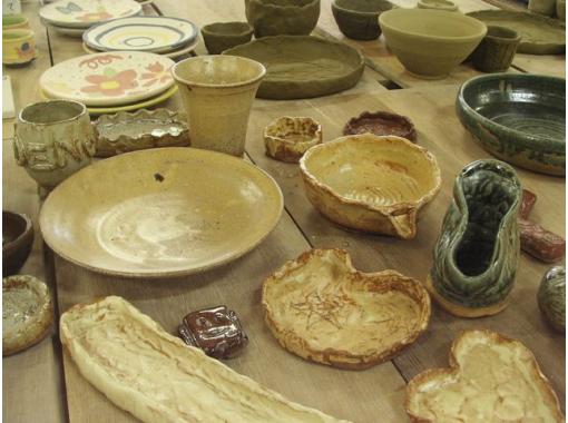 【滋賀・信楽】粘土1kgを使って贅沢に!3つの作品を作れる手びねり陶芸体験