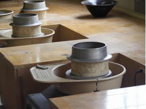 【滋賀・信楽】初心者OK・たっぷり粘土2kg!電動ろくろ陶芸体験の画像