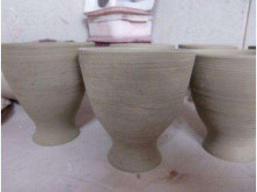 【兵庫・川西】初心者大歓迎!国内外で活躍する女性陶芸家が指導!手びねりマグカップ作り体験